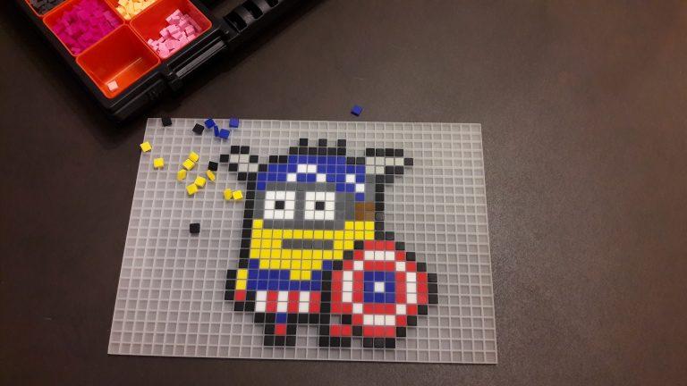 Minion Captain America Pixel Art photo 2