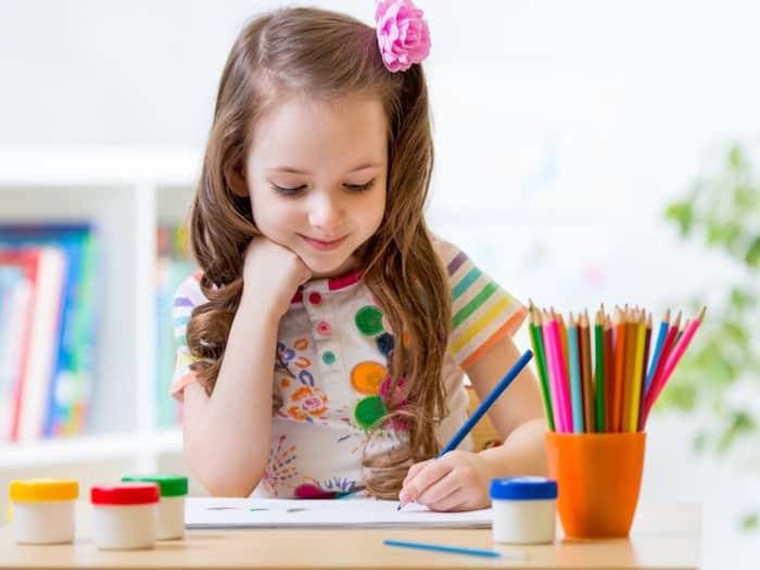 Petite fille coloriage pixel art